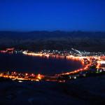 Město Pag v noci